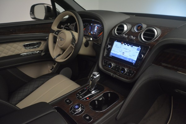 Used 2018 Bentley Bentayga Activity Edition for sale $154,900 at Alfa Romeo of Westport in Westport CT 06880 25