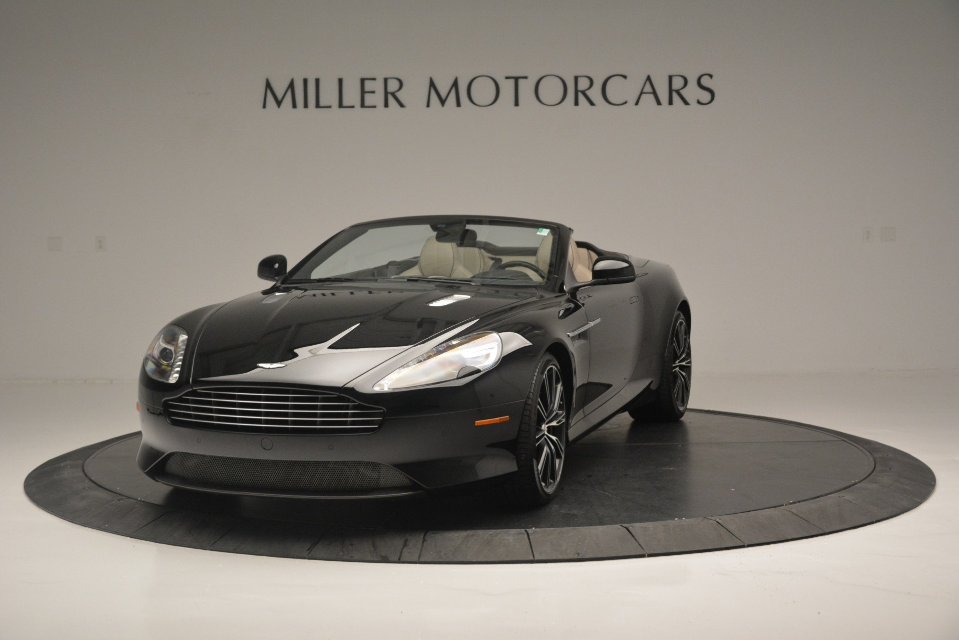 Used 2015 Aston Martin DB9 Volante for sale Sold at Alfa Romeo of Westport in Westport CT 06880 1