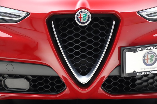 Used 2018 Alfa Romeo Stelvio Sport Q4 for sale Sold at Alfa Romeo of Westport in Westport CT 06880 13