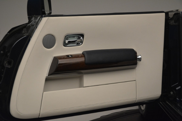 Used 2014 Rolls-Royce Phantom Drophead Coupe for sale Sold at Alfa Romeo of Westport in Westport CT 06880 25