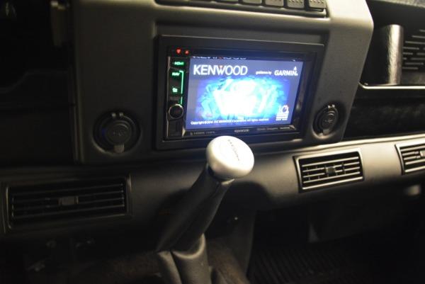 Used 1994 Land Rover Defender 130 Himalaya for sale Sold at Alfa Romeo of Westport in Westport CT 06880 25