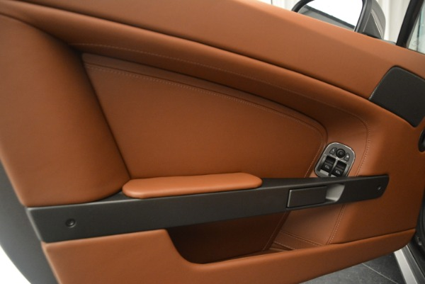 Used 2015 Aston Martin V8 Vantage Roadster for sale Sold at Alfa Romeo of Westport in Westport CT 06880 22