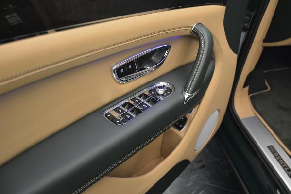 Used 2019 Bentley Bentayga V8 for sale $158,900 at Alfa Romeo of Westport in Westport CT 06880 25