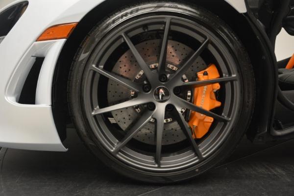 New 2019 McLaren 720S Coupe for sale $344,340 at Alfa Romeo of Westport in Westport CT 06880 17