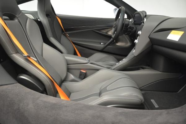 New 2019 McLaren 720S Coupe for sale $344,340 at Alfa Romeo of Westport in Westport CT 06880 22