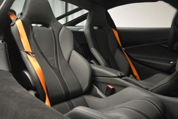 New 2019 McLaren 720S Coupe for sale $344,340 at Alfa Romeo of Westport in Westport CT 06880 23