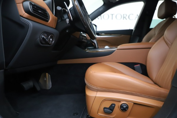 Used 2019 Maserati Levante Q4 GranLusso for sale Sold at Alfa Romeo of Westport in Westport CT 06880 14