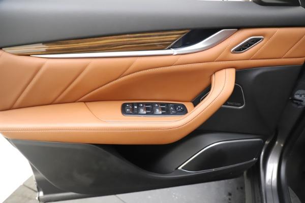Used 2019 Maserati Levante Q4 GranLusso for sale Sold at Alfa Romeo of Westport in Westport CT 06880 17