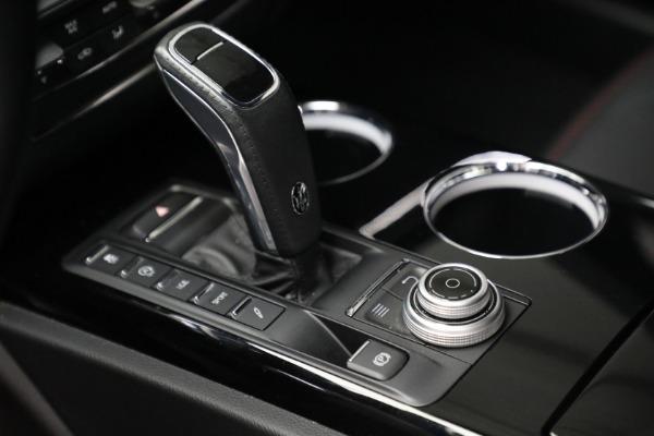 Used 2019 Maserati Quattroporte S Q4 GranLusso for sale $68,900 at Alfa Romeo of Westport in Westport CT 06880 18