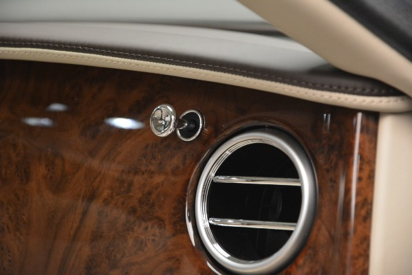 Used 2014 Bentley Flying Spur W12 for sale Sold at Alfa Romeo of Westport in Westport CT 06880 23