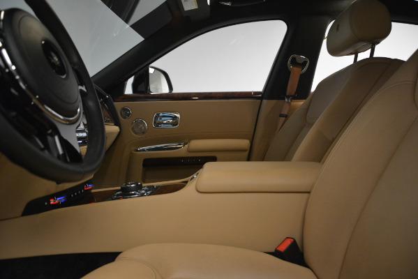 Used 2018 Rolls-Royce Ghost for sale Sold at Alfa Romeo of Westport in Westport CT 06880 15