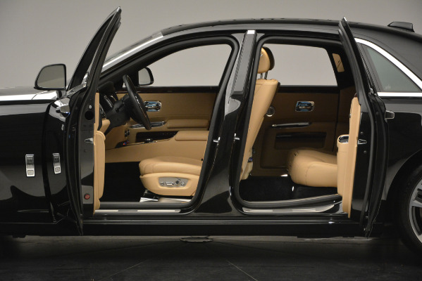 Used 2018 Rolls-Royce Ghost for sale Sold at Alfa Romeo of Westport in Westport CT 06880 5