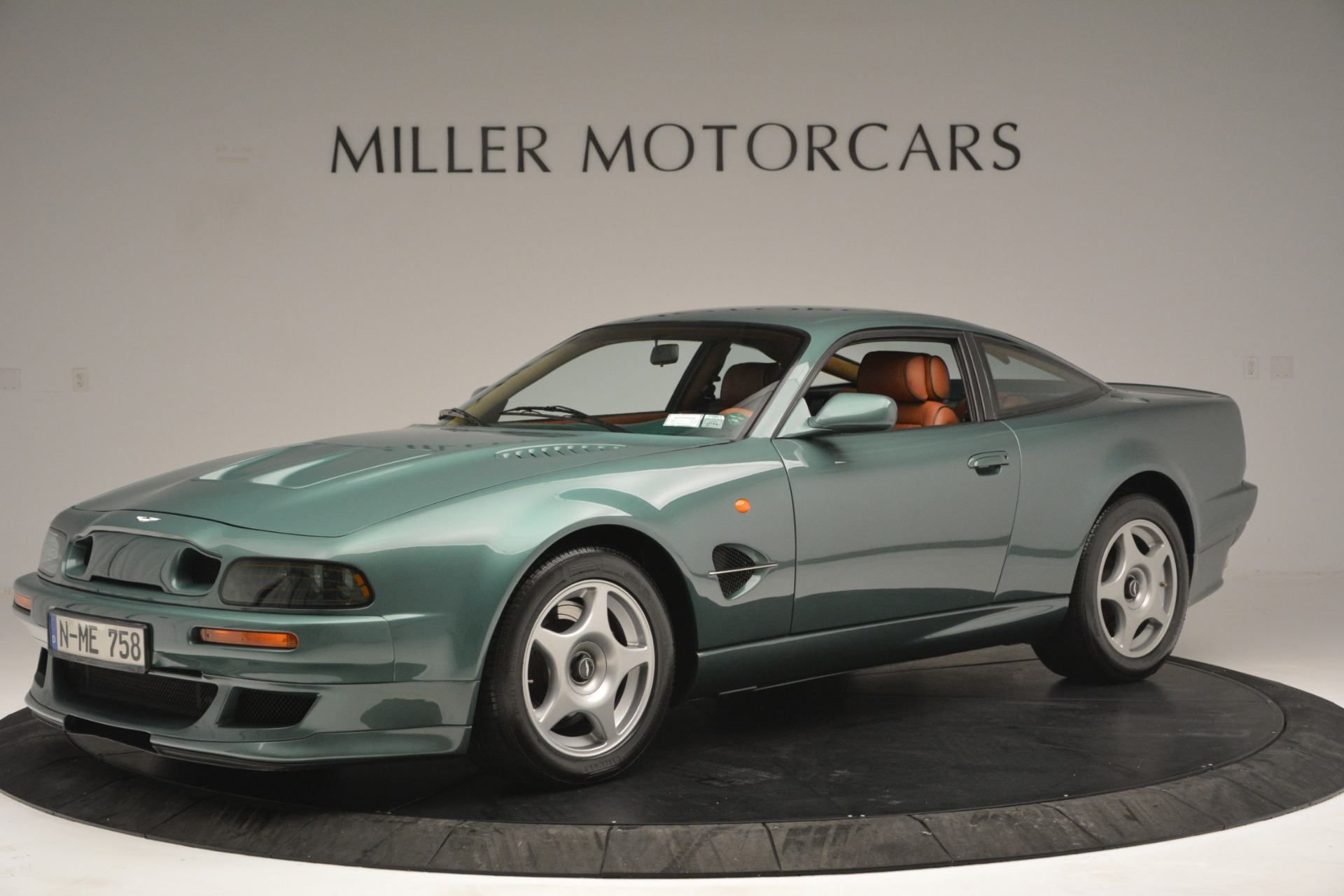 Used 1999 Aston Martin V8 Vantage Le Mans V600 Coupe for sale $550,000 at Alfa Romeo of Westport in Westport CT 06880 1