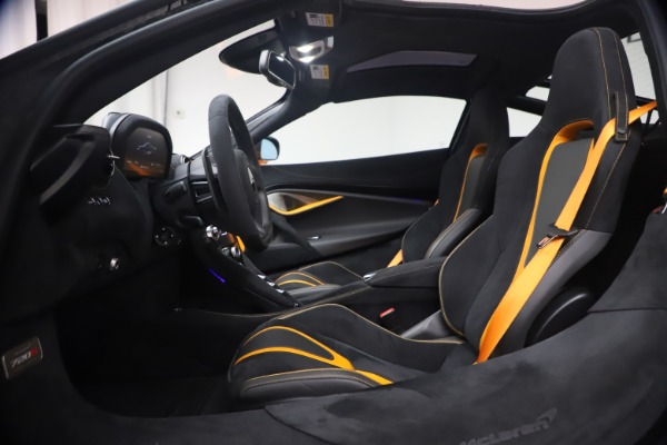 Used 2019 McLaren 720S Performance for sale $245,900 at Alfa Romeo of Westport in Westport CT 06880 18