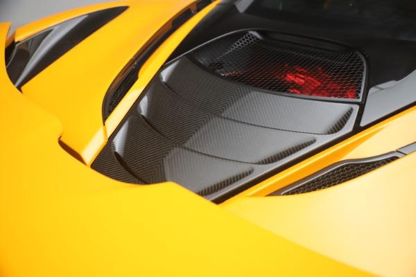 Used 2019 McLaren 720S Performance for sale $245,900 at Alfa Romeo of Westport in Westport CT 06880 25