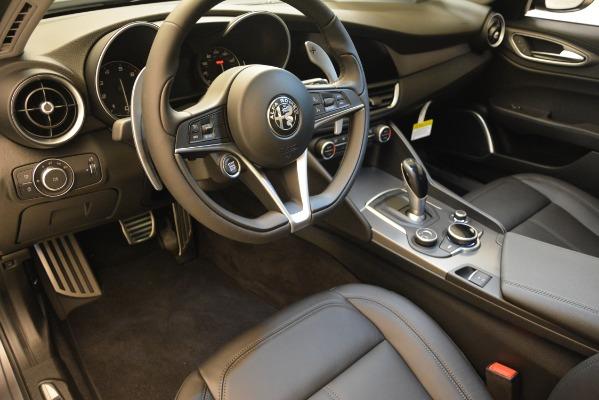 New 2019 Alfa Romeo Giulia Sport Q4 for sale Sold at Alfa Romeo of Westport in Westport CT 06880 13
