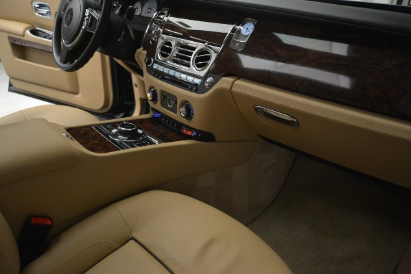 Used 2014 Rolls-Royce Ghost for sale Sold at Alfa Romeo of Westport in Westport CT 06880 26