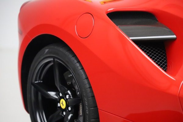 Used 2018 Ferrari 488 GTB for sale $245,900 at Alfa Romeo of Westport in Westport CT 06880 14