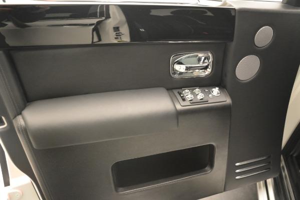 Used 2014 Rolls-Royce Phantom for sale Sold at Alfa Romeo of Westport in Westport CT 06880 19