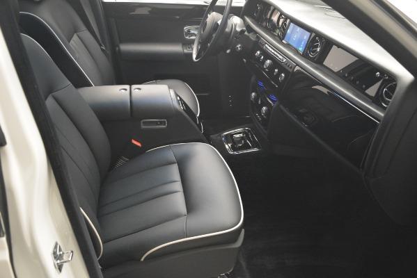 Used 2014 Rolls-Royce Phantom for sale Sold at Alfa Romeo of Westport in Westport CT 06880 27