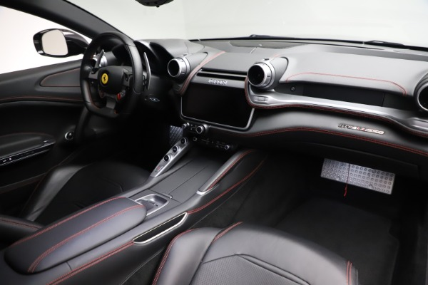 Used 2018 Ferrari GTC4Lusso for sale $209,900 at Alfa Romeo of Westport in Westport CT 06880 17