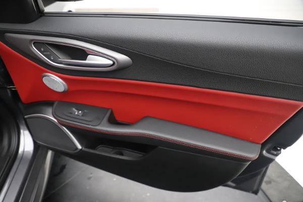 New 2019 Alfa Romeo Giulia Ti Sport Q4 for sale $52,340 at Alfa Romeo of Westport in Westport CT 06880 25