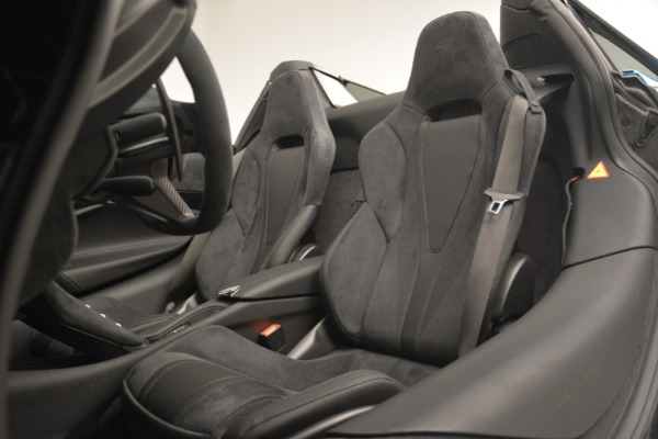 New 2019 McLaren 720S Spider for sale $399,030 at Alfa Romeo of Westport in Westport CT 06880 25