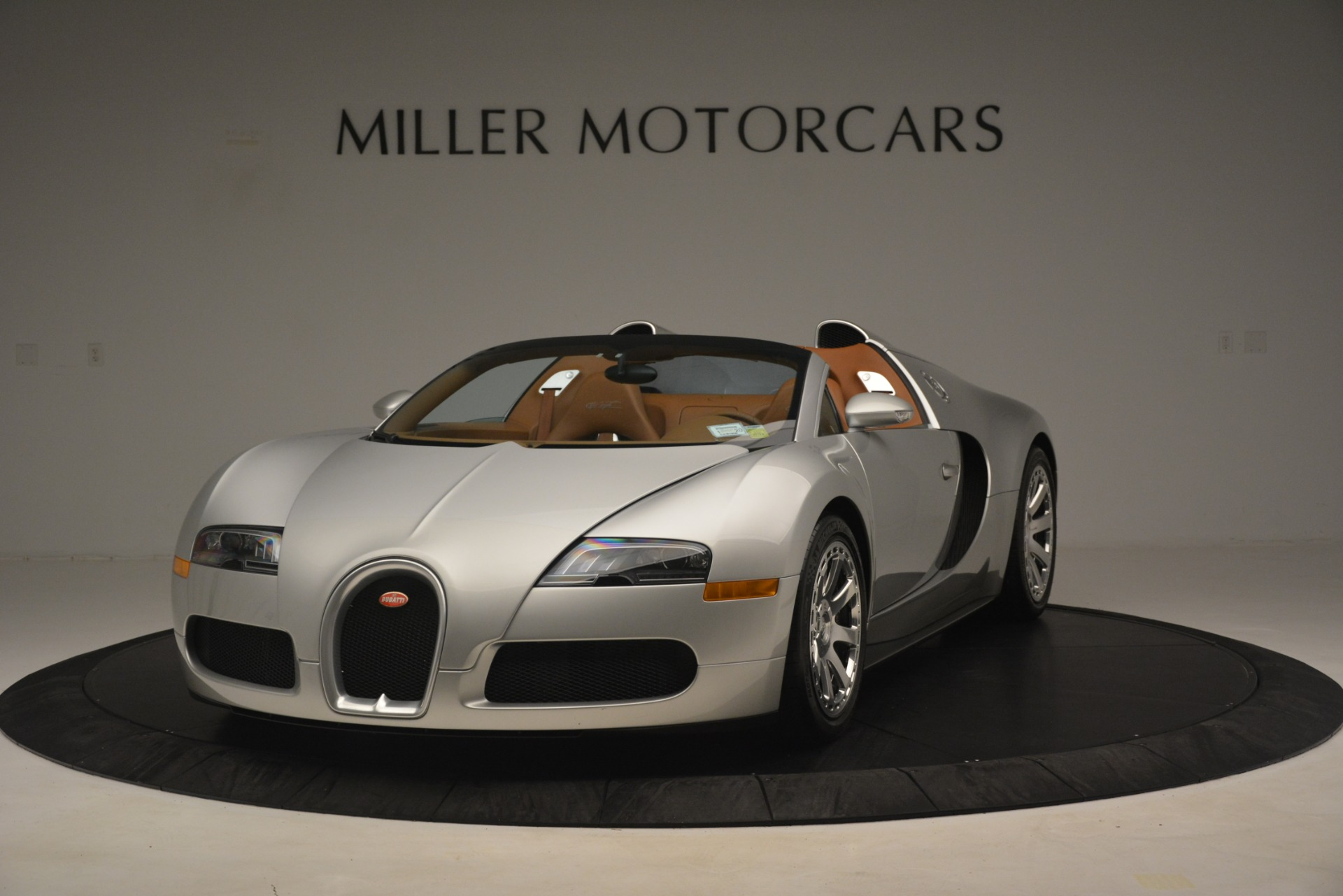 Used 2010 Bugatti Veyron 16.4 Grand Sport for sale Sold at Alfa Romeo of Westport in Westport CT 06880 1