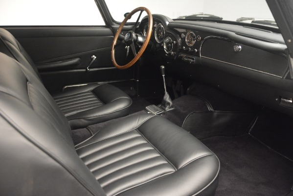 Used 1961 Aston Martin DB4 Series IV Coupe for sale $625,900 at Alfa Romeo of Westport in Westport CT 06880 25