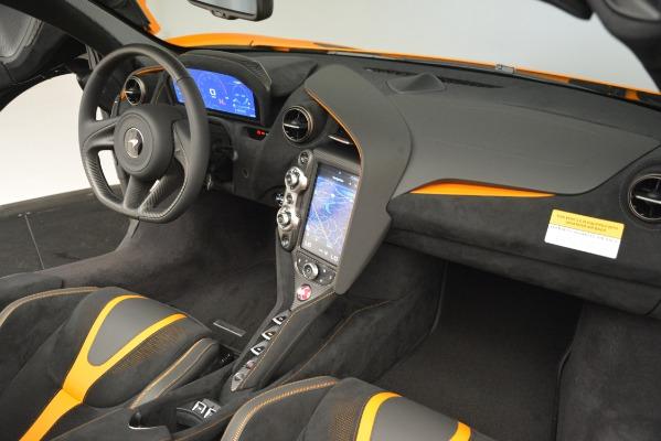 New 2020 McLaren 720S SPIDER Convertible for sale $407,450 at Alfa Romeo of Westport in Westport CT 06880 24