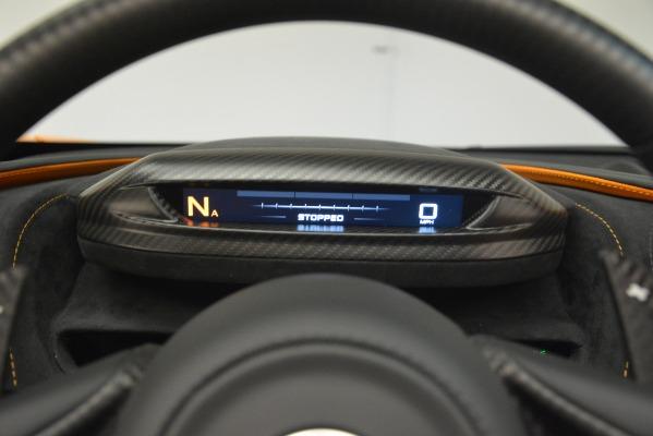 New 2020 McLaren 720S SPIDER Convertible for sale $407,450 at Alfa Romeo of Westport in Westport CT 06880 27