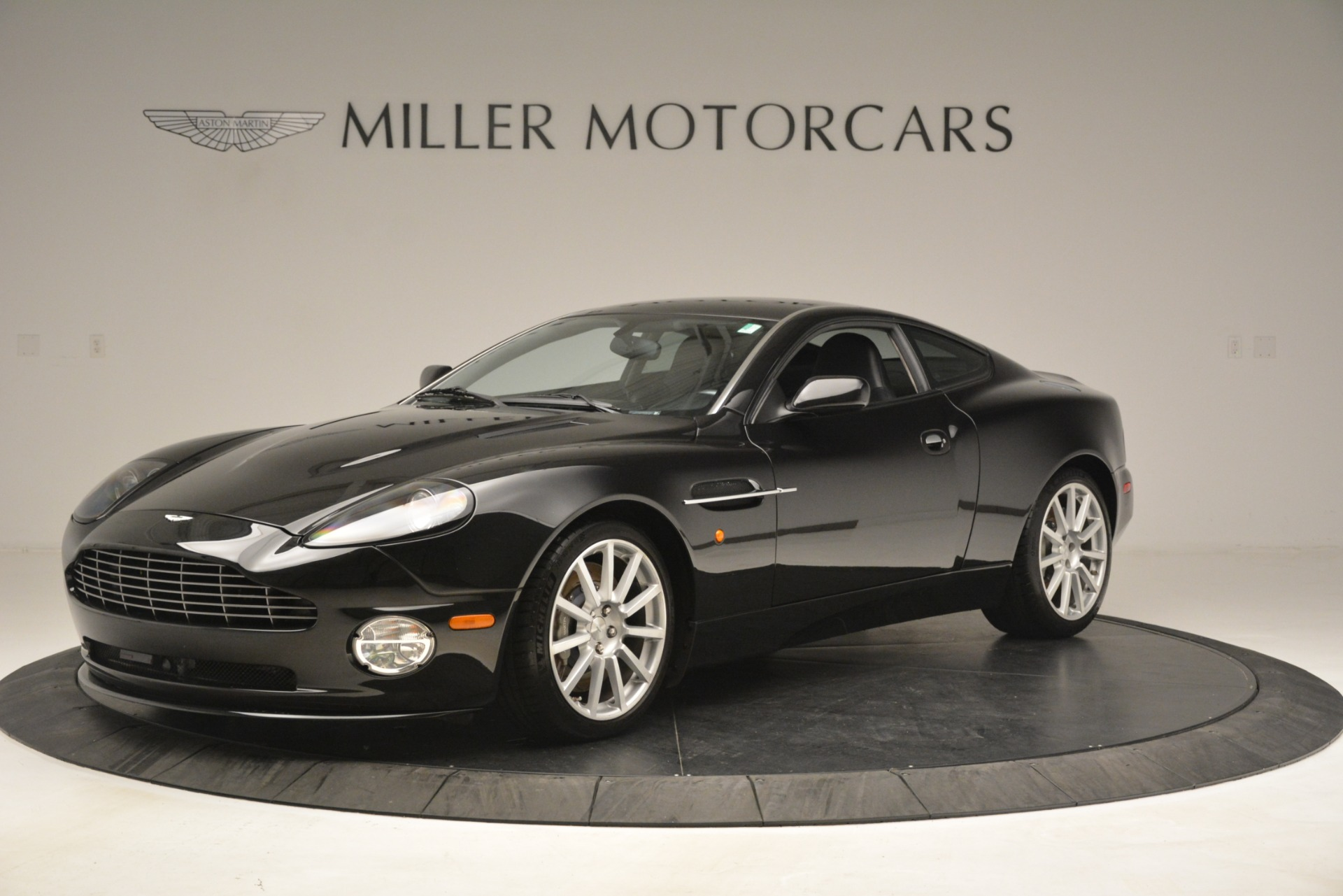 Used 2005 Aston Martin V12 Vanquish S Coupe for sale Sold at Alfa Romeo of Westport in Westport CT 06880 1