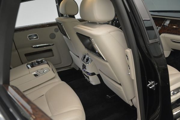 Used 2016 Rolls-Royce Ghost for sale Sold at Alfa Romeo of Westport in Westport CT 06880 19