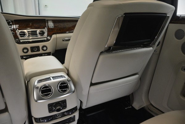 Used 2016 Rolls-Royce Ghost for sale Sold at Alfa Romeo of Westport in Westport CT 06880 26