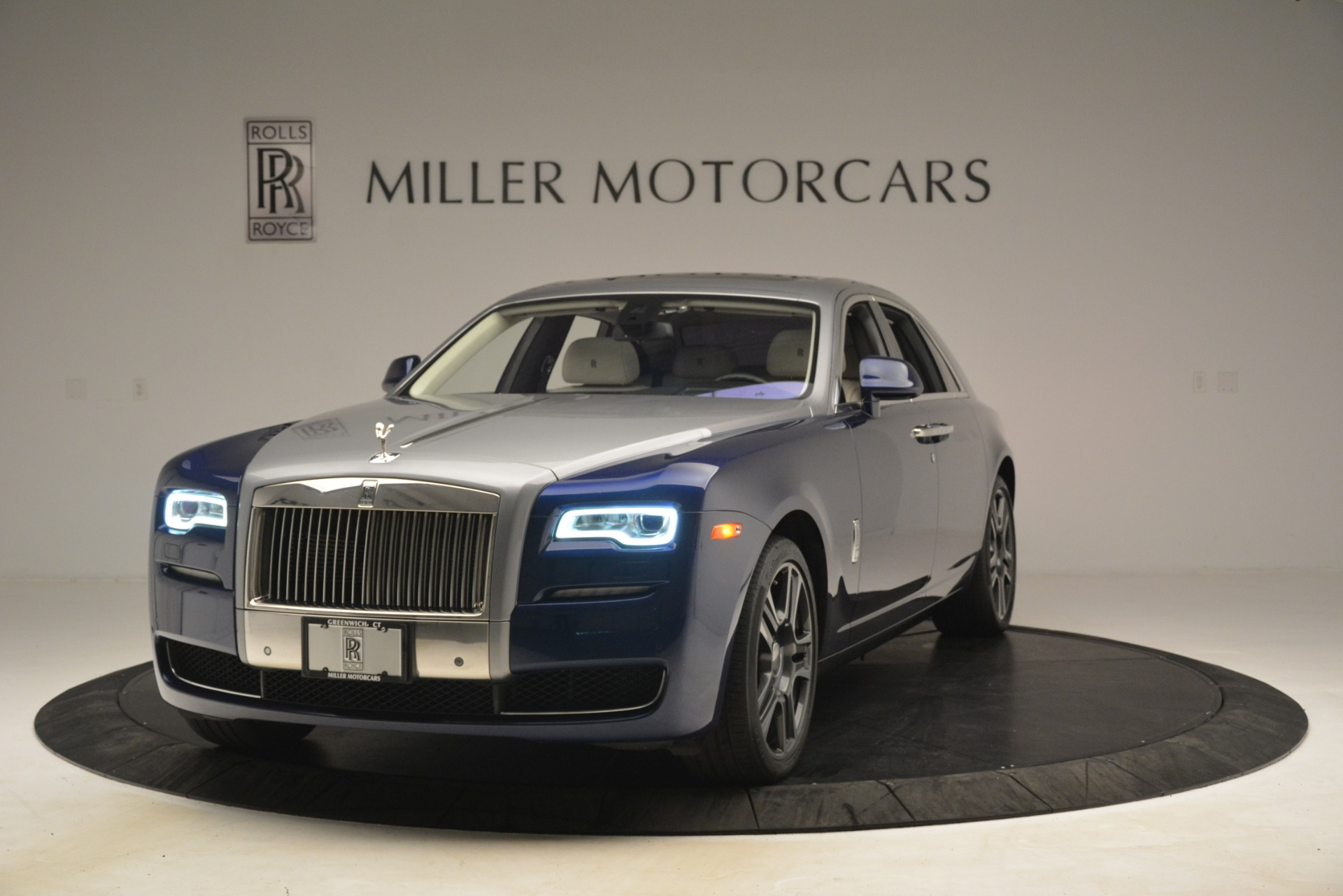 Used 2016 Rolls-Royce Ghost for sale Sold at Alfa Romeo of Westport in Westport CT 06880 1