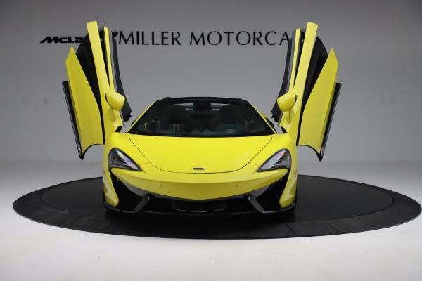 New 2019 McLaren 570S SPIDER Convertible for sale $227,660 at Alfa Romeo of Westport in Westport CT 06880 17