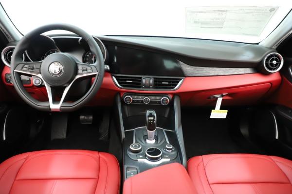 New 2019 Alfa Romeo Giulia Q4 for sale Sold at Alfa Romeo of Westport in Westport CT 06880 17