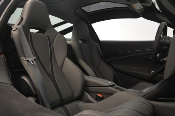Used 2018 McLaren 720S for sale $269,900 at Alfa Romeo of Westport in Westport CT 06880 19