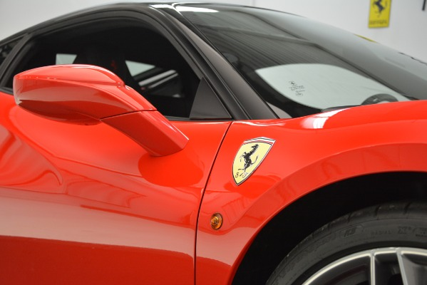 Used 2018 Ferrari 488 GTB for sale $255,900 at Alfa Romeo of Westport in Westport CT 06880 14