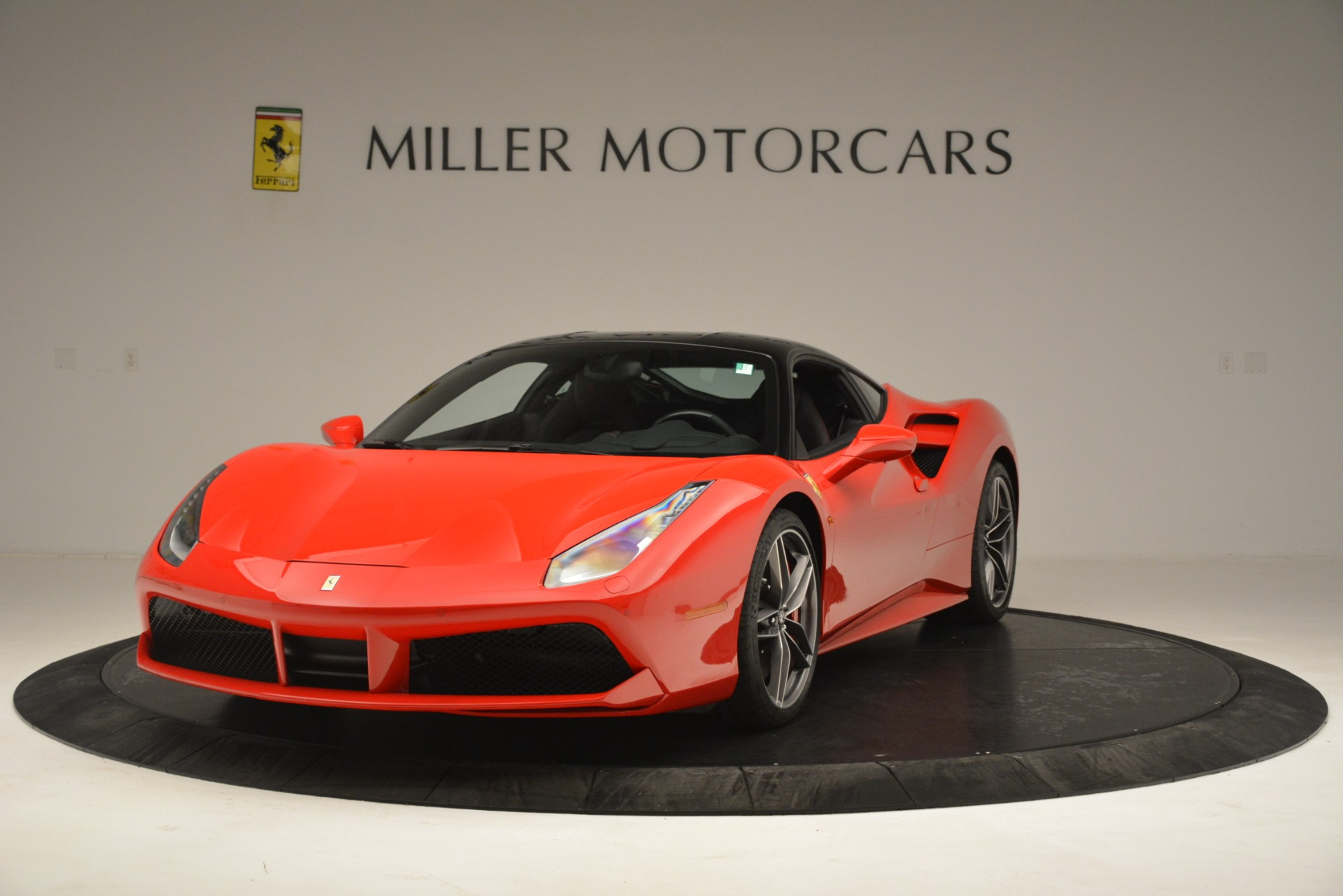 Used 2018 Ferrari 488 GTB for sale $255,900 at Alfa Romeo of Westport in Westport CT 06880 1