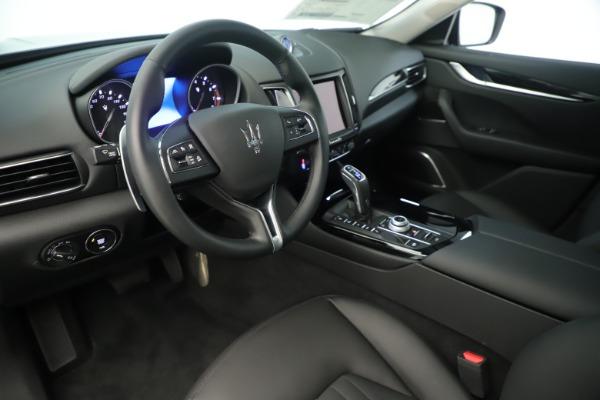 New 2019 Maserati Levante Q4 Nerissimo for sale $89,850 at Alfa Romeo of Westport in Westport CT 06880 13