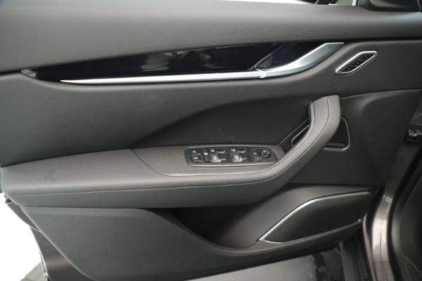 New 2019 Maserati Levante Q4 Nerissimo for sale $89,850 at Alfa Romeo of Westport in Westport CT 06880 17