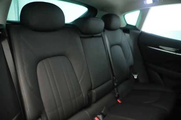 New 2019 Maserati Levante Q4 Nerissimo for sale $89,850 at Alfa Romeo of Westport in Westport CT 06880 26