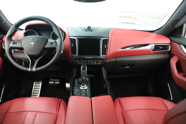 New 2019 Maserati Levante Q4 GranSport Nerissimo for sale Sold at Alfa Romeo of Westport in Westport CT 06880 16