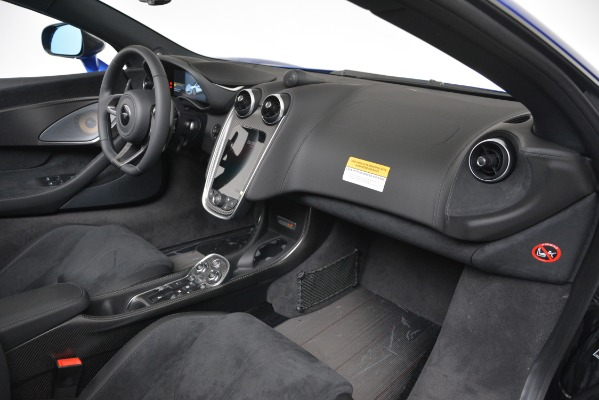 New 2020 McLaren 600LT SPIDER Convertible for sale $304,970 at Alfa Romeo of Westport in Westport CT 06880 23