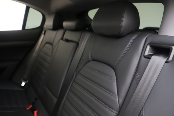 New 2019 Alfa Romeo Stelvio Ti Lusso Q4 for sale Sold at Alfa Romeo of Westport in Westport CT 06880 18