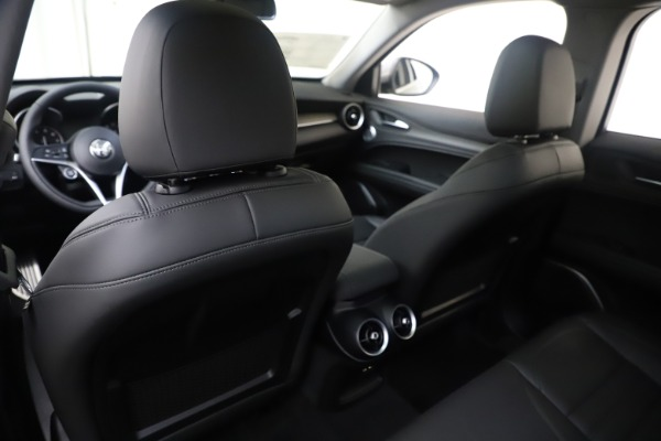 New 2019 Alfa Romeo Stelvio Ti Lusso Q4 for sale Sold at Alfa Romeo of Westport in Westport CT 06880 20