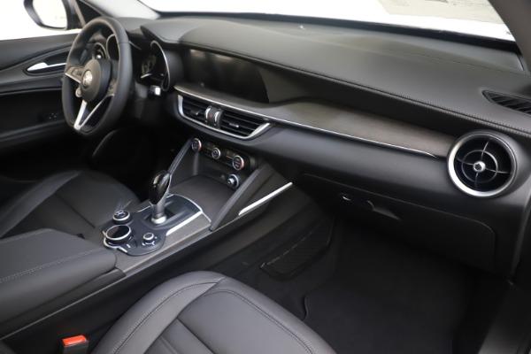 New 2019 Alfa Romeo Stelvio Ti Lusso Q4 for sale Sold at Alfa Romeo of Westport in Westport CT 06880 22