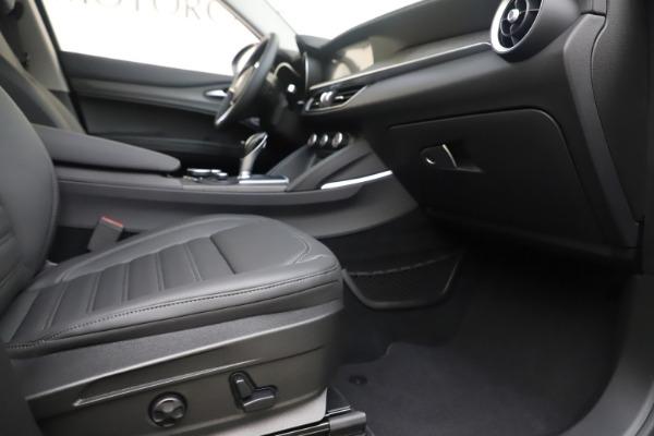 New 2019 Alfa Romeo Stelvio Ti Lusso Q4 for sale Sold at Alfa Romeo of Westport in Westport CT 06880 23