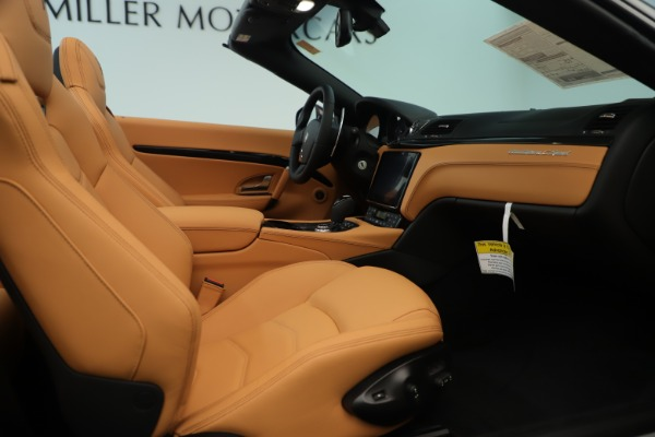 New 2019 Maserati GranTurismo Sport Convertible for sale $163,845 at Alfa Romeo of Westport in Westport CT 06880 27